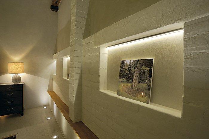 strisce LED muro
